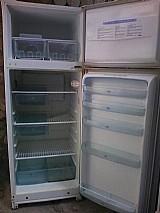 Estamos vendendo uma geladeira electrolux  branca